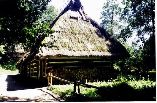 Скороднянська хата в музеї м. Сянок, Польща