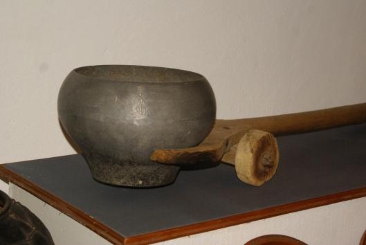 Коліщатовий пристрій для засаджування казана в піч - винахід бойків. Фото: Зоряна Свистович