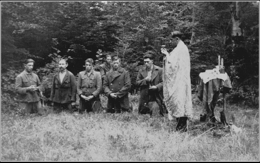 Літургія в лісі1
